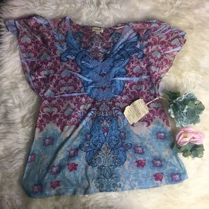 NWT One World butterfly pink blue stud top Large